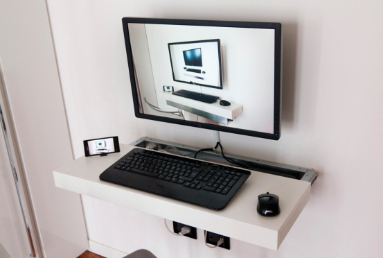 DIY floating desk 2